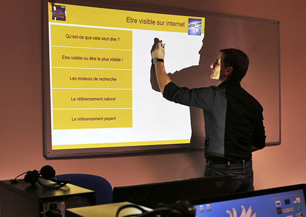 Epi-centre Crest Coworking Télétravail Médiation Numérique Internet Tiers-Lieux Atelier Référencement